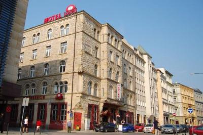 Wakacyjny Weekend dla Singli we Wrocławiu - Hotel Lothus