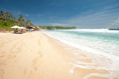 Piaszczysta  indonezyjska plaża